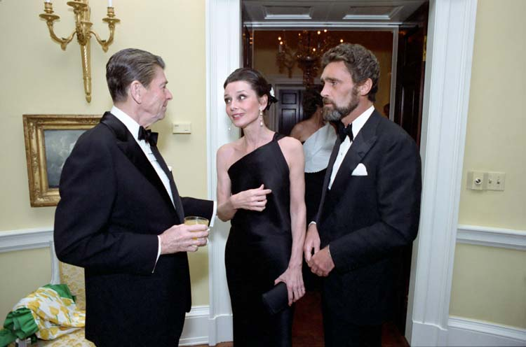 Audrey_Hepburn_and_Ronald_Reagan
